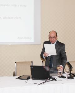 Tony Hodges za vrijeme svoje prezentacije u Zagrebu