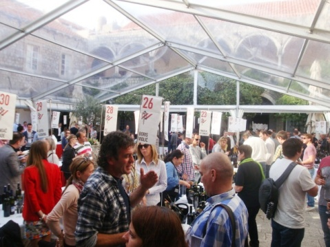 Dubrovnik Wini FestiWine