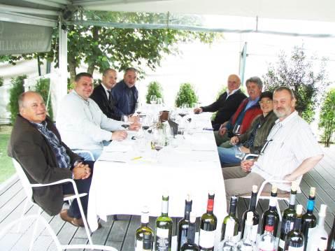 U zagrebačkom Bistrou Apetit kušači su, uz osovinu Andrić, Kozarčanin i Suhadolnik, bili Krešimir Šesnić, Velimir Korak, Lada Radin i Ivan Dropuljić. Vina je točio Goran Petrić