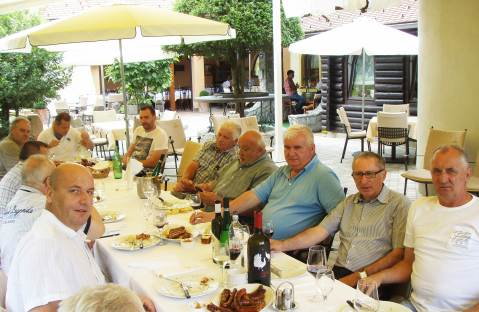 Gosti, među njima i Radovan Marčić iz tv-Masterchefa, Marijan Žganjer, ugpostitelj  vinar, predsjednik Udruge samobodrskih vinara, te mesar