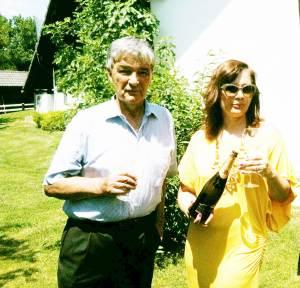 Janez Istenič i njegova kćerka Barbara, s novim pjenušcem No 1 special