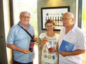 Na odlasku, suvenir domaćinu: vina iz produkcije Jakobovića i Sibera