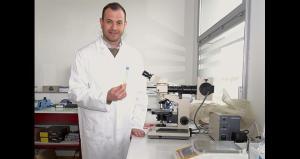 Matthieu Dubernet u svom laboratoriju