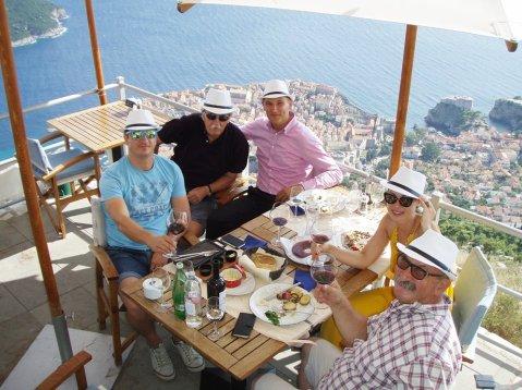 Jedinstveni užitak Dubrovnika iz jastrebove perspektive potrajao je bogme do pred večer! Siniša Lasan, Suhadolnik, Tomislav Lonac, Ksenija Matić i Vlado Krauthaker