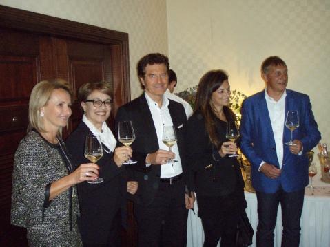 Vlasnik Ville Sandi Moretti sa suorugom, te Gordan i Jasna Mohor iz MIVA-e
