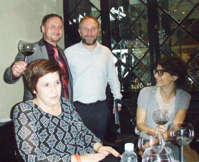 Leo Gracin sa suprugom Renatom, sommelier Mario Meštrović i Dražena Vučković