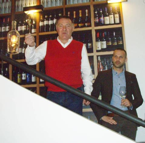 Josip Galić te, desno, enolog Slaven Jeličić /Josip Galić, and, right, the oenologist Slaven Jeličić