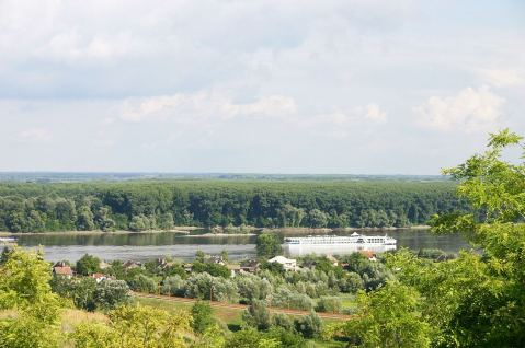 Pogled iz podruma na Dunav/View from the Estate to the Danube River