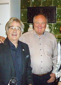 Attila Gere (desno), te nizozemski vinski pisac Jan Van Lissum koji u Villanyju ima vinski joint-venture Mondivin, slažu se da crnjak iz Villányja elemenete teritorija najbolje pokazuje tek nakon šest do sedam godina
