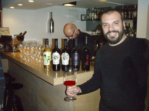 Bruno Trapan sa svojim superistrijanom The One, od terana i syraha à 50 posto